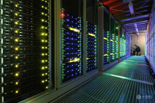 哪里有大型网站服务器出租?