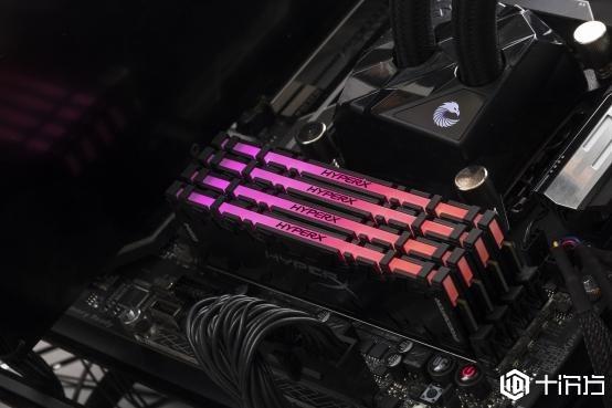 金士顿骇客神条掠食者DDR4灯条开卖:单条16GB加红外同步